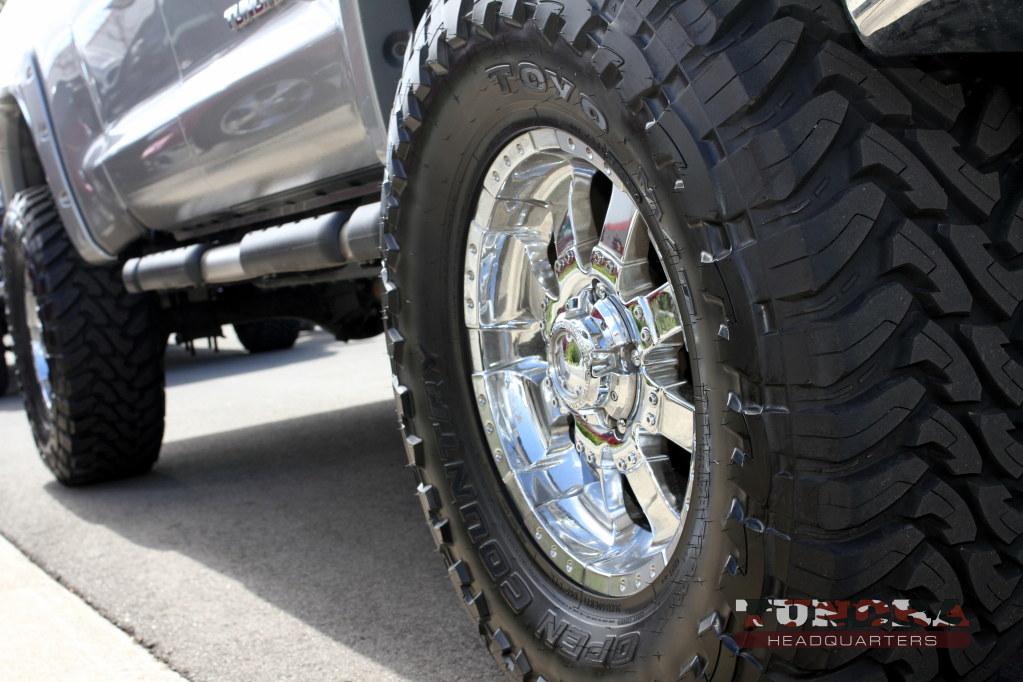 Chrome wheels lifted Tundra