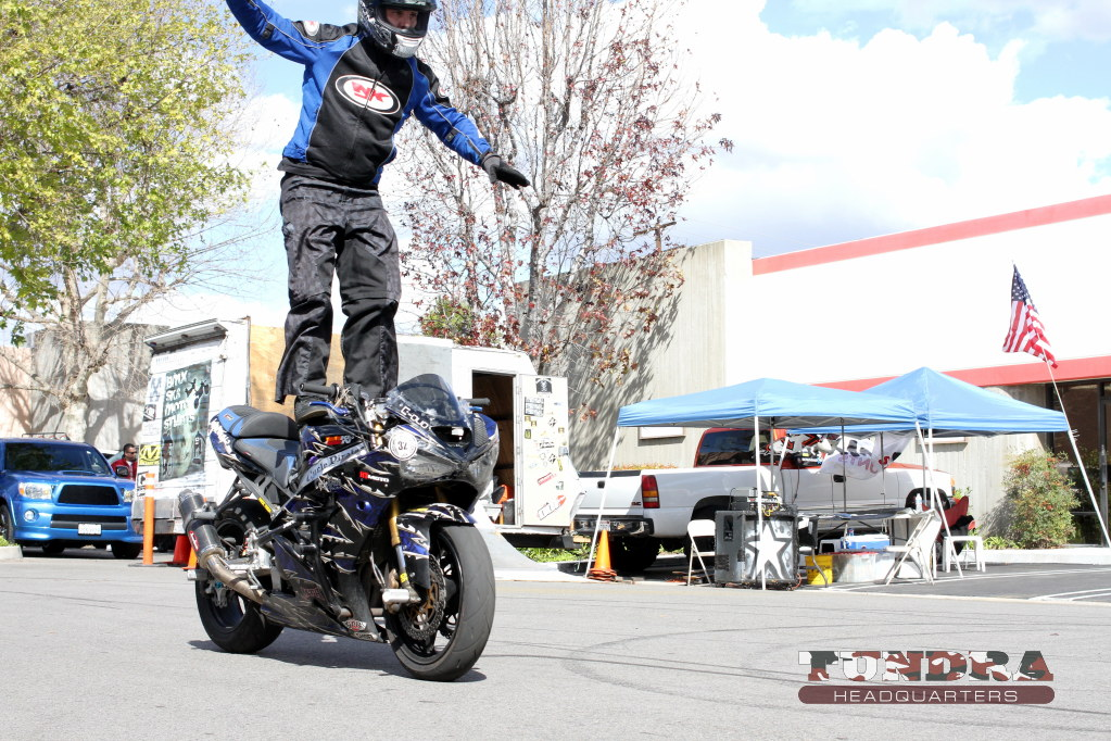 No hands sportbike trick rider