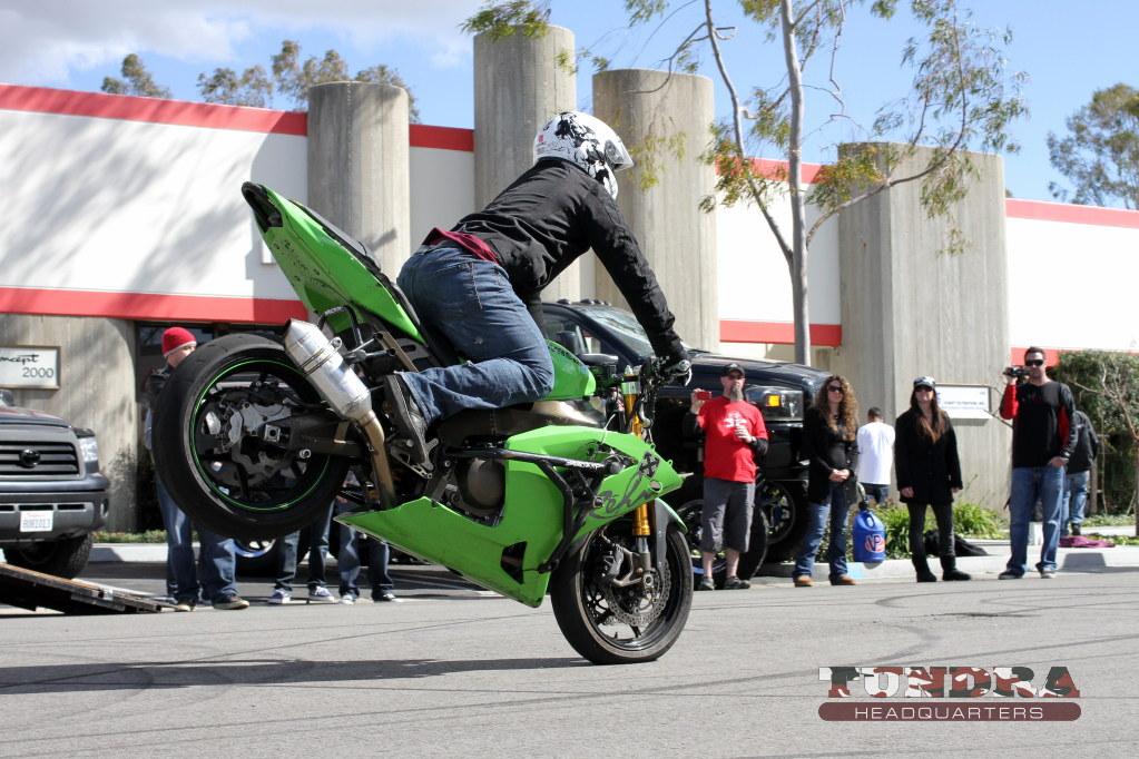 Stunt streetbike endo
