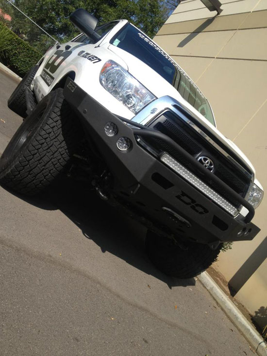 DeMello Off-Road 2013 Toyota Tundra - Front
