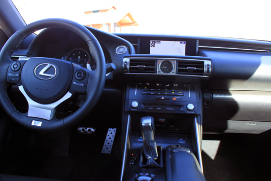 204 Lexus IS 350 F-SPORT Review - Interior