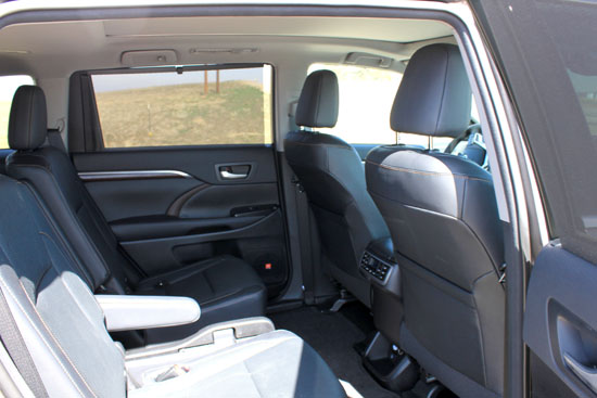 2014 Toyota Highlander Limited Review - Middle Row