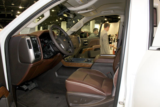 The interior of the new Chevy HD High Country package is just OK. Nothing really stands out for me.