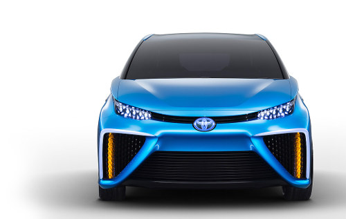 Toyota FCV head-on