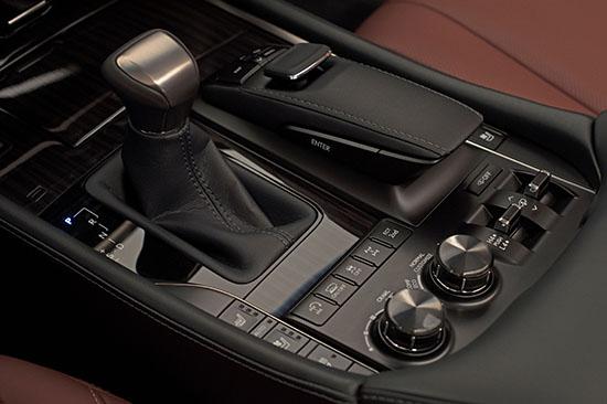 2016 Lexus LX 570 Revealed - 2017 Toyota Tundra Powertrain Preview?
