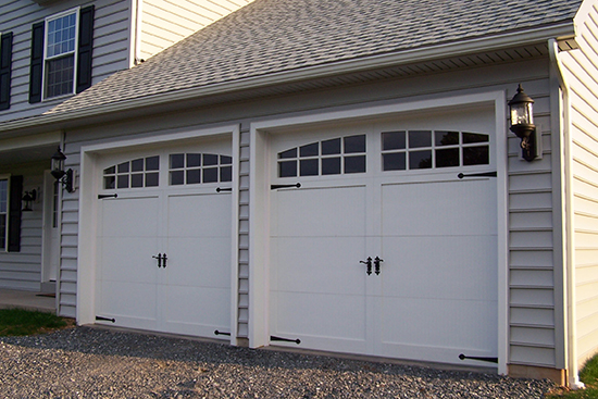 Sectional-type_overhead_garage_door