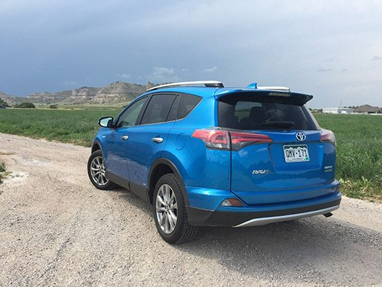 Revew: 2016 Toyota RAV4 Limited Hybrid Surprises With Great Fuel Economy, Good Driving Dynamics