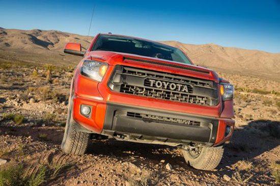 2017 Toyota Tundra TRD PRO, 2017 Ford F-150 Raptor Comparison